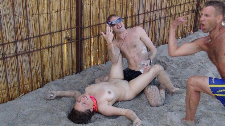 【エロ画像18枚】外人、露出、セックス | 2020-11-27 3:0更新